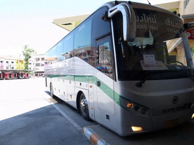 チェンライ-バス