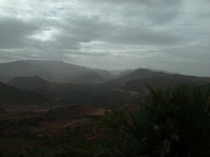マラケシュ-トドラ渓谷