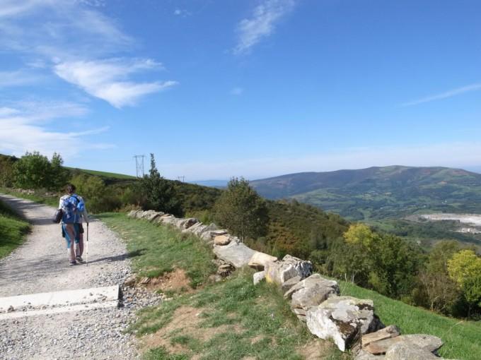 初の30km越えは山道だった。疲れた疲れた。~スペイン巡礼28日目~