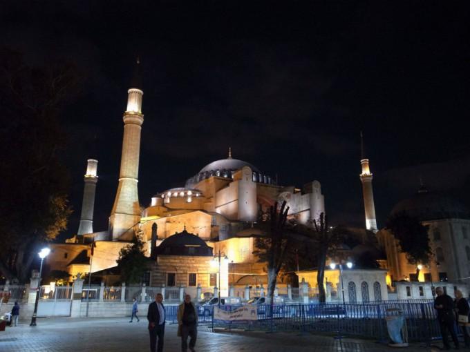 イスタンブールは何もなくてつまらない?いやいや歩いてるだけでおれは楽しいよ!