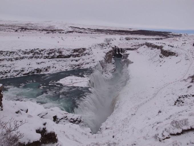 この旅一番の自然に圧倒されまくる。アイスランドすげぇ